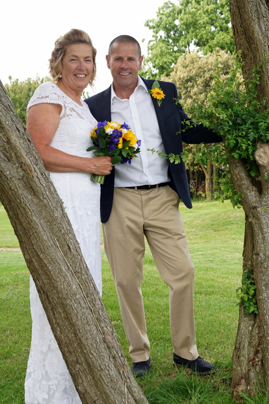Lorraine And Mark Married At Portsmouth Registry Office With A Blessing Reception Stokes Bay Golf Club Gosport